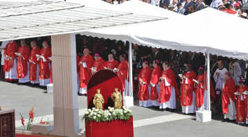 Dwa lata temu arcybiskup Grzegorz otrzymał Paliusz od Papieża Franciszka