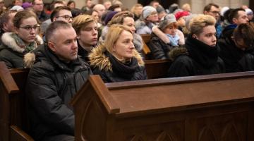 Abp Ryś: Bóg cierpi jak widzi rozbite małżeństwa, rozwalone rodziny, dzieci w domach dziecka