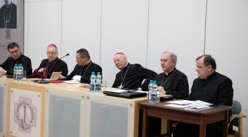 Nadzwyczajne posiedzenie synodalne ws. dokumentu kończącego pierwszy rok Synodu