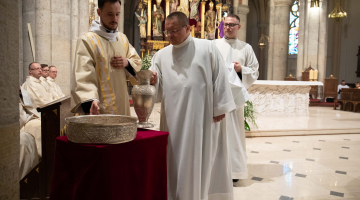 Abp Ryś: Budujcie Kościół, w którym Pan i Nauczyciel jest Sługą – Msza Wieczerzy Pańskiej