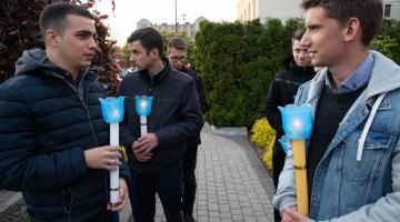 W seminaryjnym ogrodzie poświęcono stacje Drogi Światła