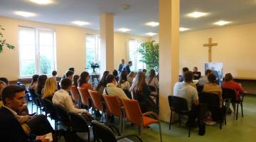 Abp Ryś na spotkaniu z młodymi z Ruchu Światło-Życie
