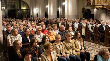 Poświęcenie Krzyża w Sanktuarium Matki Boskiej Pocieszenia Łódź – Chojny – 2019