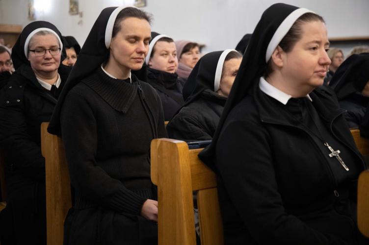 Abp Ryś: władza Chrystusa sięga serca dlatego, że widzimy Go na krzyżu! - jubileusz Sióstr Antonianek