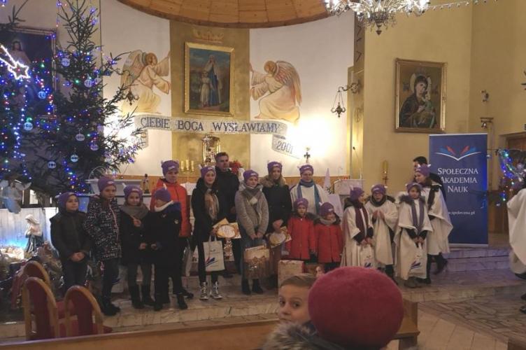 Konkurs kolęd i pastorałek w parafii Narodzenia N.M.P w Łękawie