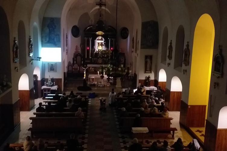 Marcowy wieczór uwielbienia w Szczercowskiej parafii