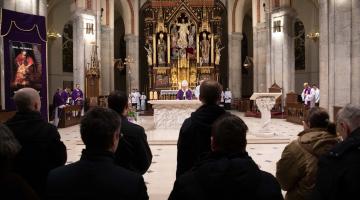 Abp Ryś do katechumenów: jesteśmy wybrani przez Jezusa! – obrzęd wybrania i wpisania imienia