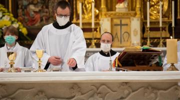 Abp Ryś: świętujemy dziś 40 lat wierności Pana Boga – jubileusz święceń kapłańskich