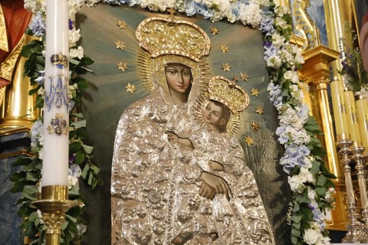 Abp Ryś: Maryja uczy nas modlitwy i Kościół czyni domem | Koronacja Obrazu Matki Bożej Śnieżnej