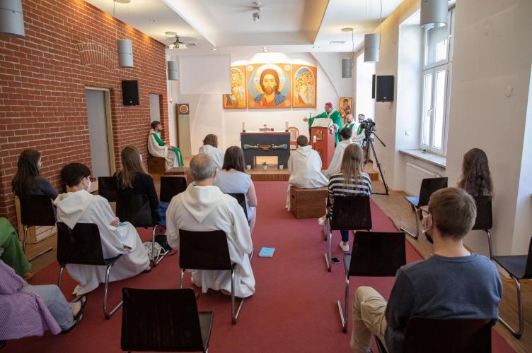 Abp Ryś: miej odwagę przekroczyć swoje granice! – Summer School Wspólnoty Chemin Neuf