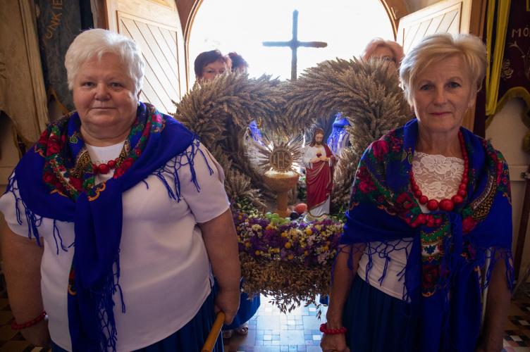Abp Ryś podczas dożynek w Krzepczowie: Bóg jest wyśmienitym Rolnikiem!
