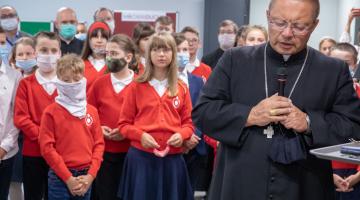 Inauguracja roku szkolnego 2020/2021 w jezuickiej szkole podstawowej w Łodzi