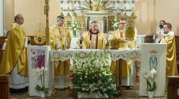 Wprowadzenie relikwii abpa. Bilczewskiego