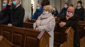 Abp Grzegorz Ryś w Dzień Ubogich: trzymaj wyciągniętą dłoń i miej otwarte ramiona!