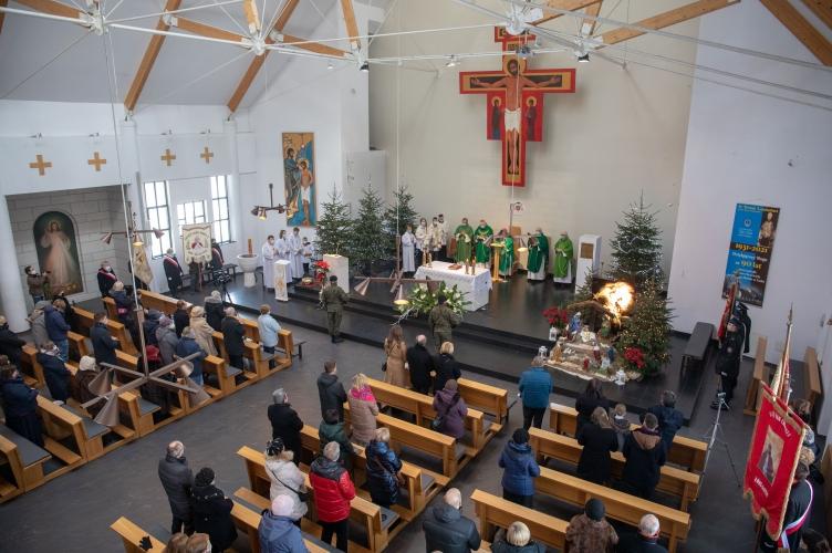 Abp Ryś na jubileusz 90-lecia parafii: budowaliście ten Kościół by Jezus mógł tutaj do was mówić!