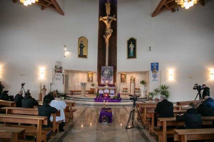 Koronka do Bożego Miłosierdzia za zranionych w Kościele