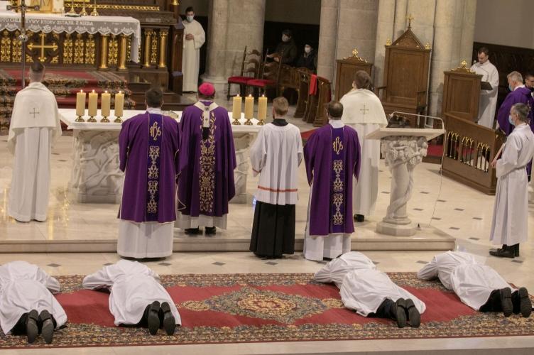 Abp. Ryś podczas Święceń Diakonatu 35 + Bądźcie mądrymi i mocnymi Diakonami!