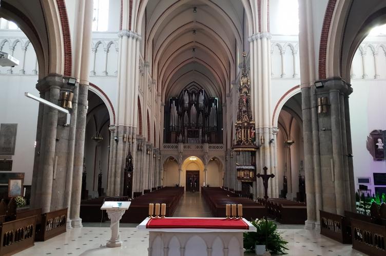 Msza Krzyżma przeniesiona na maj - cisza Łódzkiej Katedry