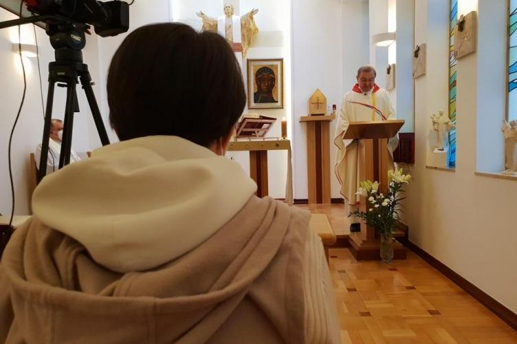 Ks. Tracz: spotkanie Jezusa z uczniami w Emaus przypomina codzienną Eucharystię