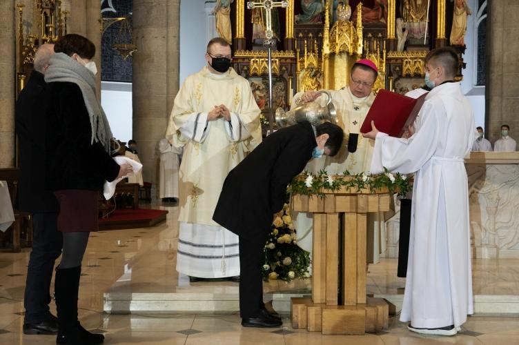 Abp Ryś: Zmartwychwstanie Jezusa dotyczy każdego z nas - wierzycie w to?