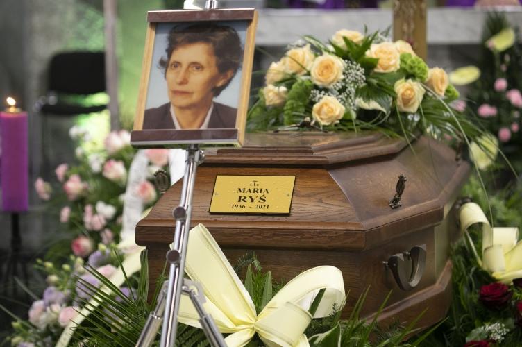 Abp Ryś: Mama miała w sobie tę prostotę pomagania | pogrzeb śp. Marii Ryś