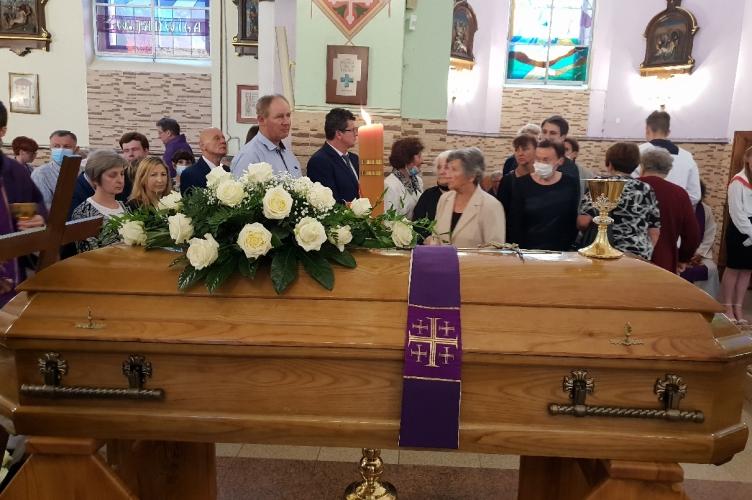 Pogrzeb śp. ks. kan. Henryka Leśniewskiego