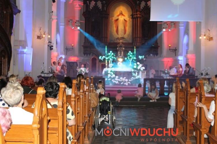 Msza Święta z modlitwą o uzdrowienie u oo. jezuitów i on-line!
