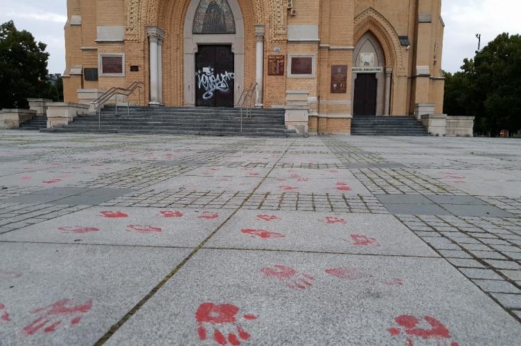 Zatrzymano sprawcę dewastacji drzwi Katedry