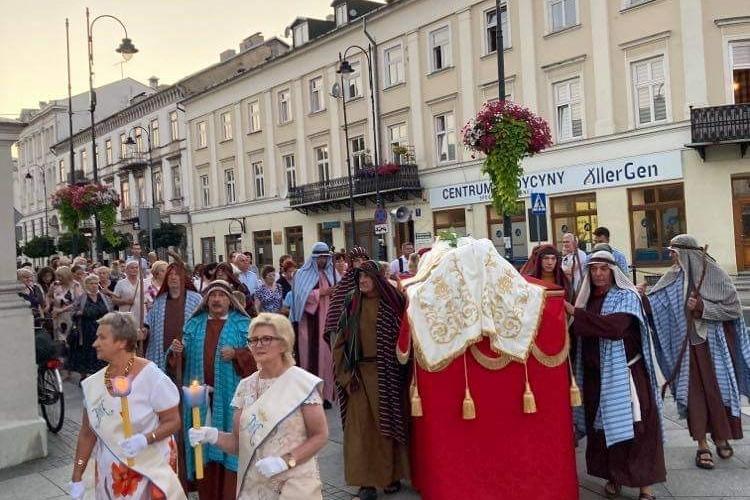 Zaśnięcie i Wniebowzięcie NMP w sanktuarium Matki Bożej Piotrkowskiej